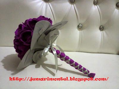 bunga tangan felt ungu gelap dan kelabu, cantik
