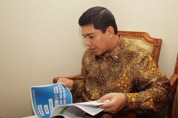 Ogah Tambah PNS yang Hanya Bisa Baca Koran