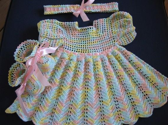 2011 2012+yeni yazlik kiz bebek elbise modelleri 2012 Elörgüsü elbiselr, tığ işi bebek elbise çeşitleri örnekleri, yeni şişle işlenen kız bebek elbise modelleri örnekleri