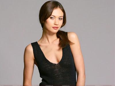 olga_kurylenko_hot_wallpaper_in_black_sweetangelonly.com
