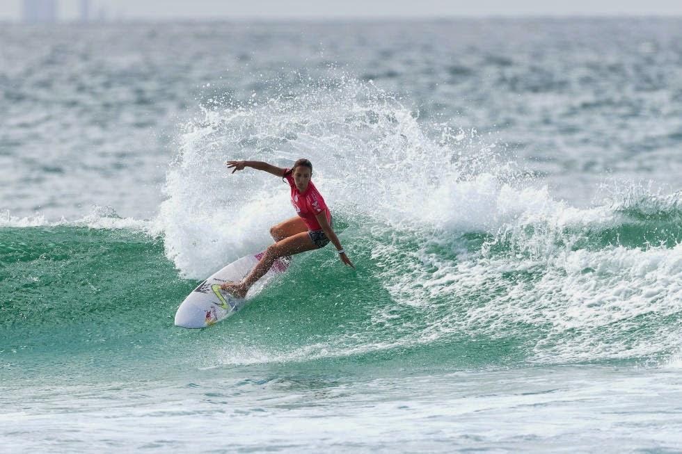 56 Roxy Pro Gold Coast 2015 Sally Fitzgibbons Foto WSL Kelly Cestari