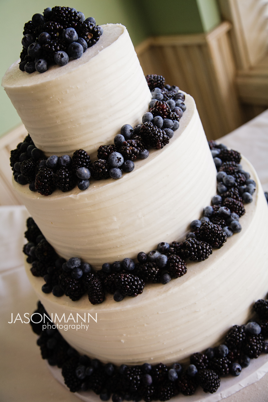 Jason Mann Photography - Door County Wisconsin Wedding Cake