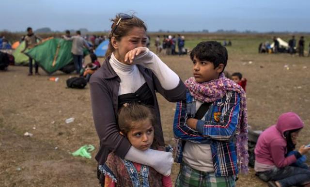 Dinamarca plantea confiscar joyas a los refugiados para cubrir gastos