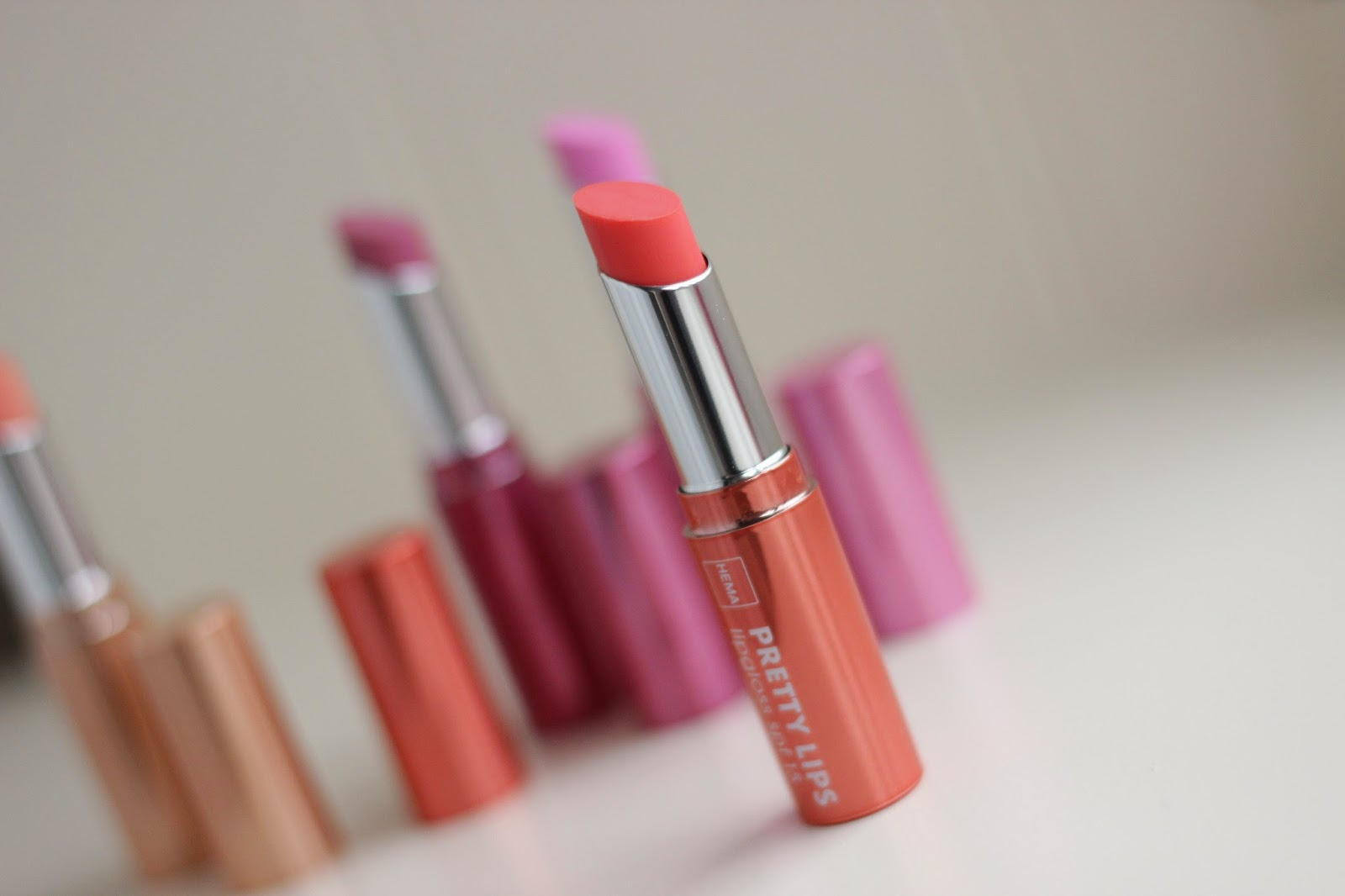 hema pretty lips lipgloss fiery sunset