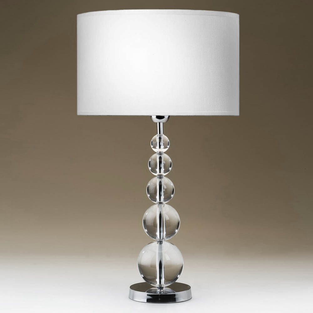 Tischleuchten aus glas und kristall for Moderne nachttischlampe