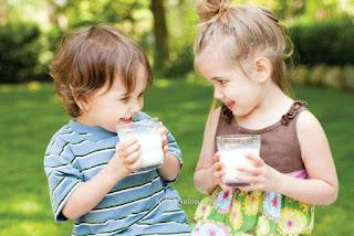 Mitos Atau Fakta Minum Susu Menyebabkan Perut Buncit