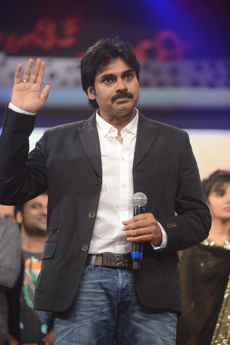 pawan kalyan: pawan kalyan in attarintiki daredi audio photos