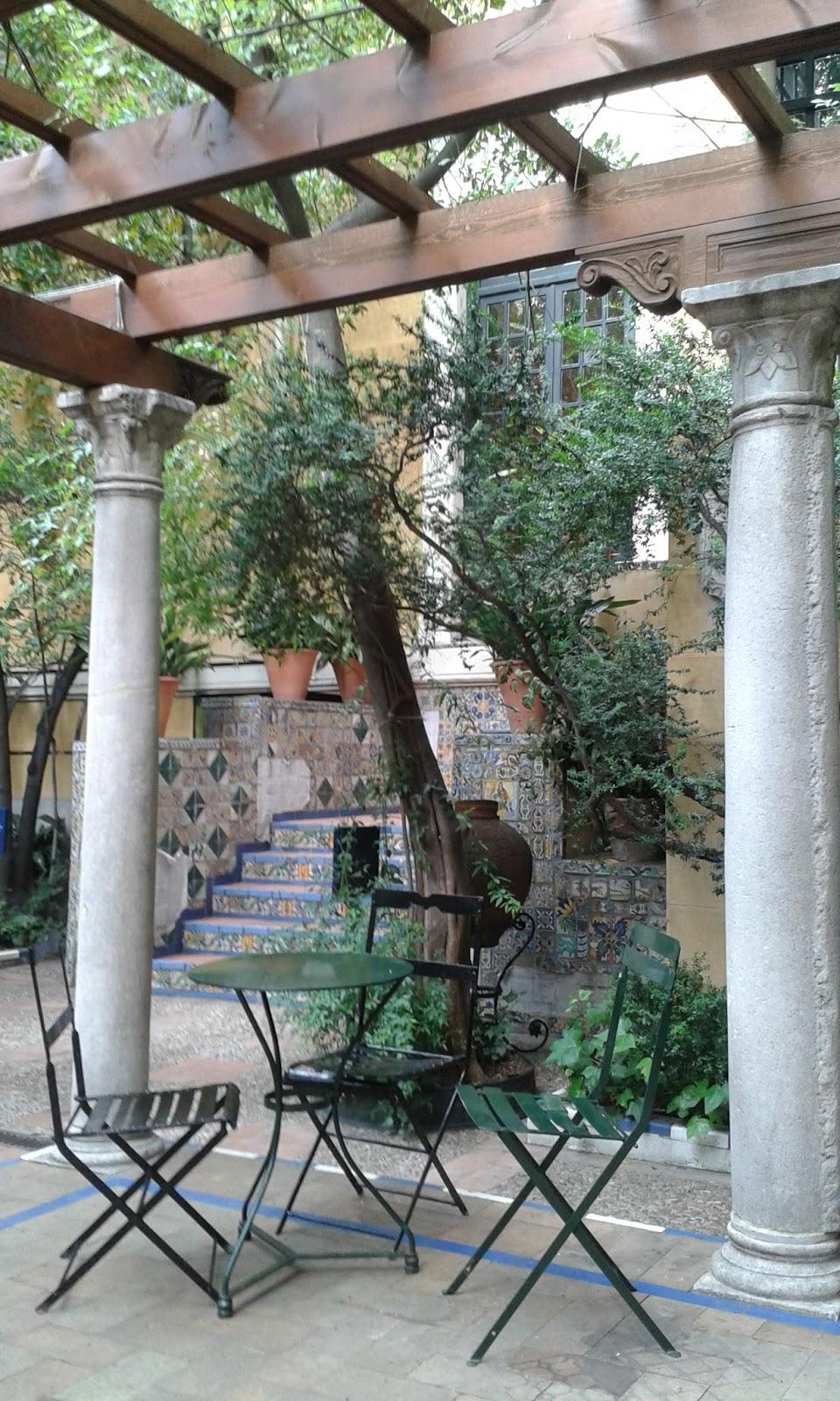 Madrid con encanto el jard n de la casa sorolla for Ceramica patios fotos