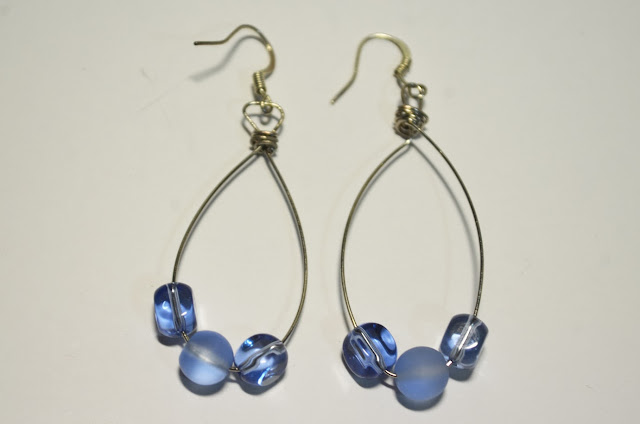 wire bead blue earring drop diy