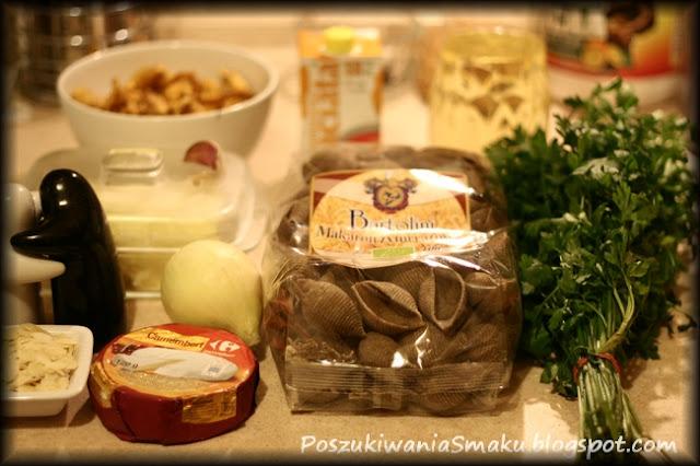 składniki do conchiglione z kurkami