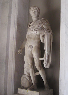 A Statue of President Bill Clinton in Vatican Museum?