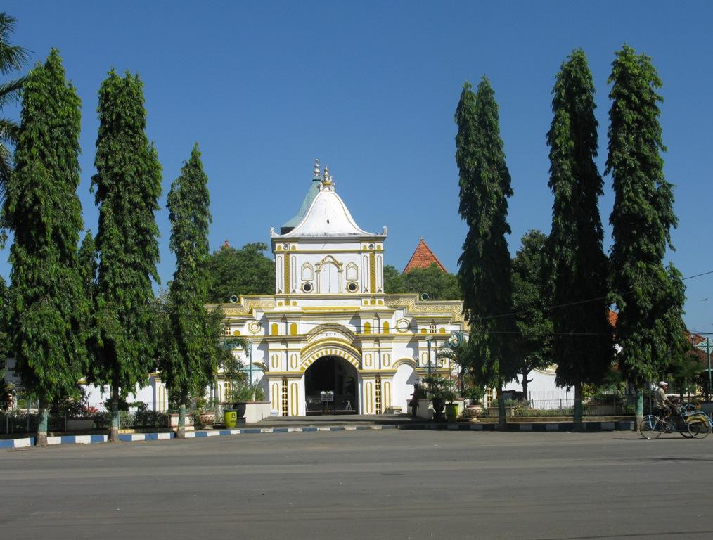 Masjid Agung di Madura - Madura Dalam Gambar