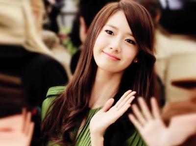 Yoona SDND Anggota Girlband Korea paling cantik dan populer