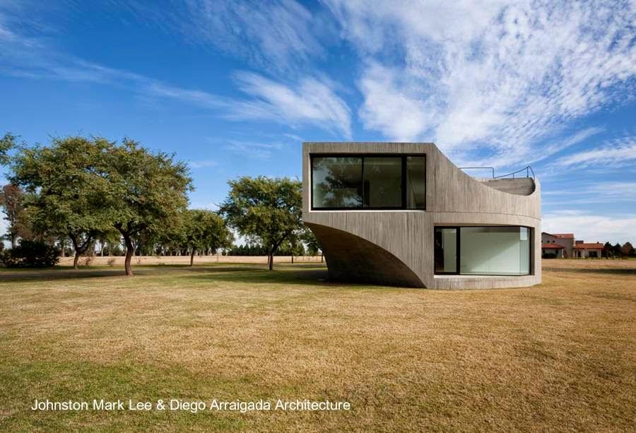 Obra residencial minimalista de hormigón armado en Argentina
