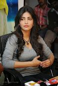 Shruti Haasan Gorgeous Photos at Yevadu Success Meet-thumbnail-2