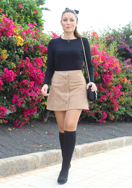 Brown_Suede_Skirt_The_Pink_Graff_05
