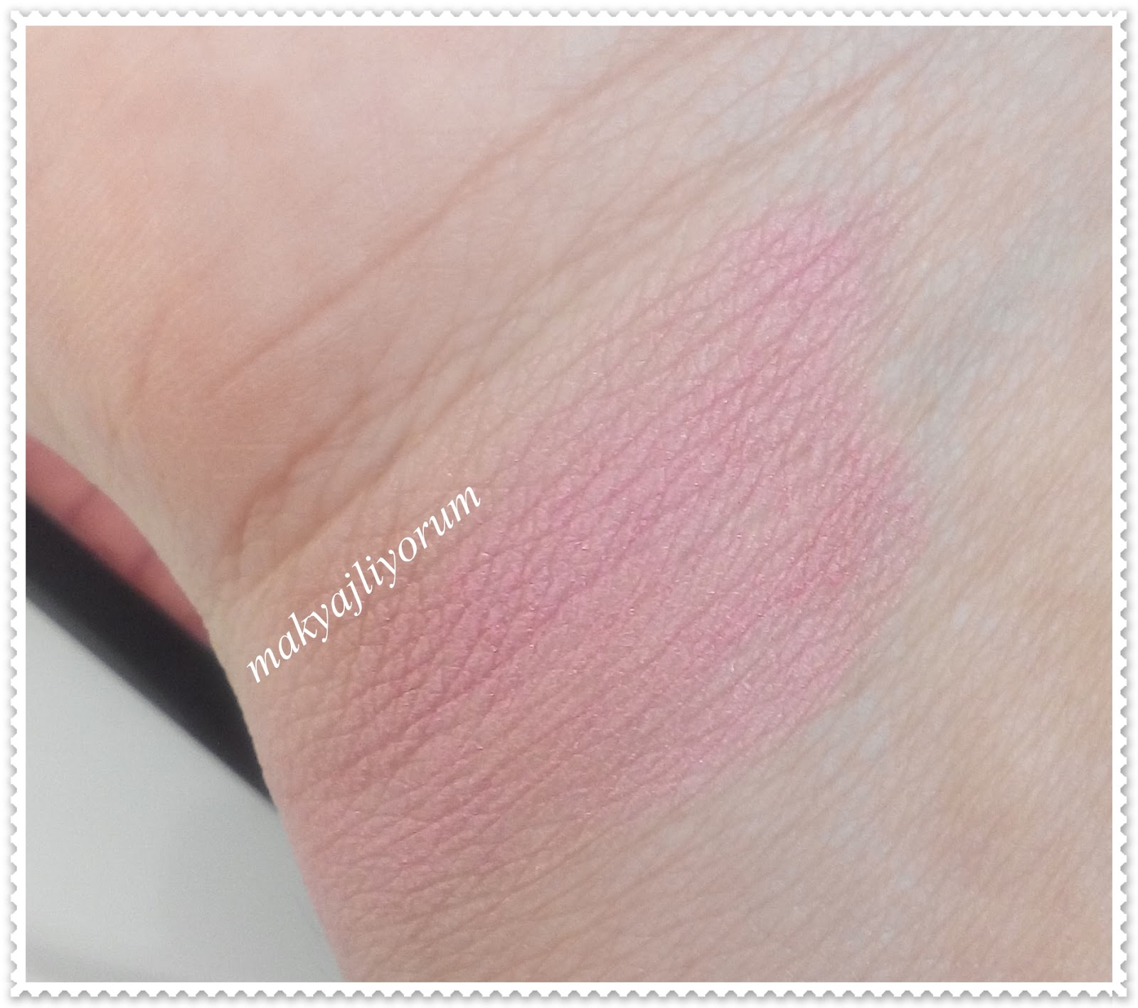 Rimmel London Lasting Finish Soft Colour Mono Blush 050 LIVE PINK