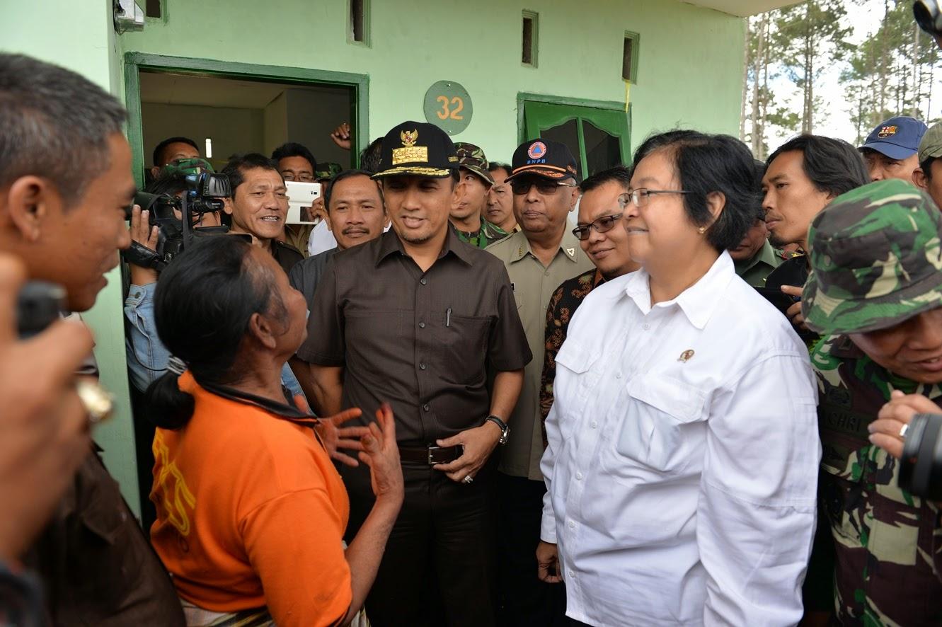 Pemerintah Serahkan 103 Unit Rumah Pengungsi Sinabung