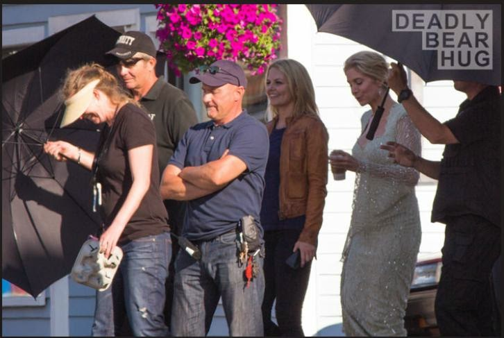 Once Upon a Time - Season 4 - Emma, Elizabeth Mitchell, Regina, Henry, Rumple, Hook, The Knave and Elsa Set Photos