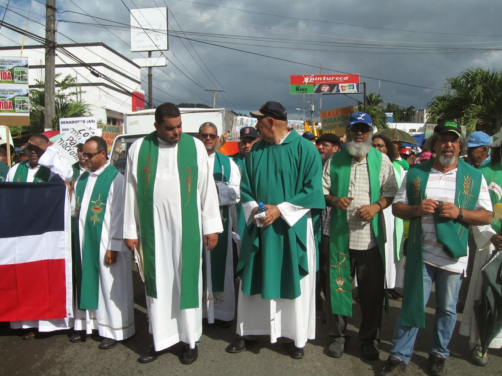 Sacerdote Fausto García dice Loma Miranda es un patrimonio de las presentes y futuras generaciones