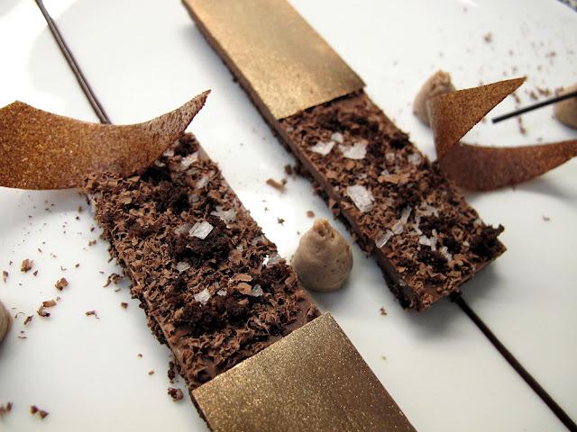 Yann Couvreur, Hôtel Le Burgundy : dessert fleur de sel et chocolat d'Equateur