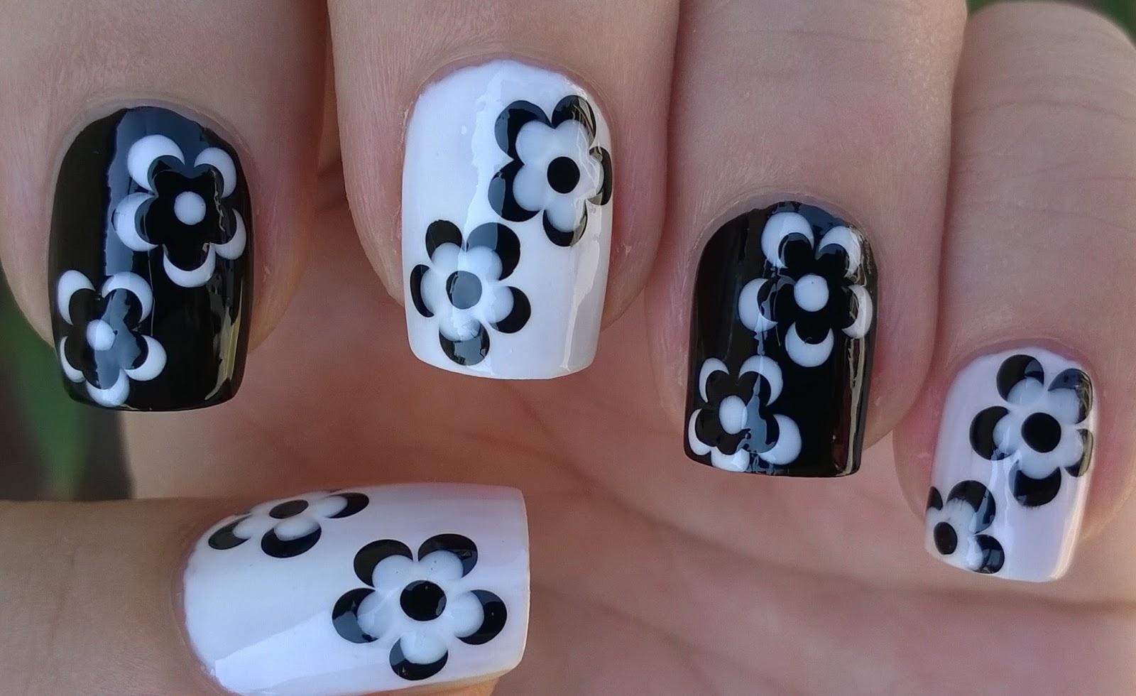 Life World Women Monochrome Floral Nail Art In Black White