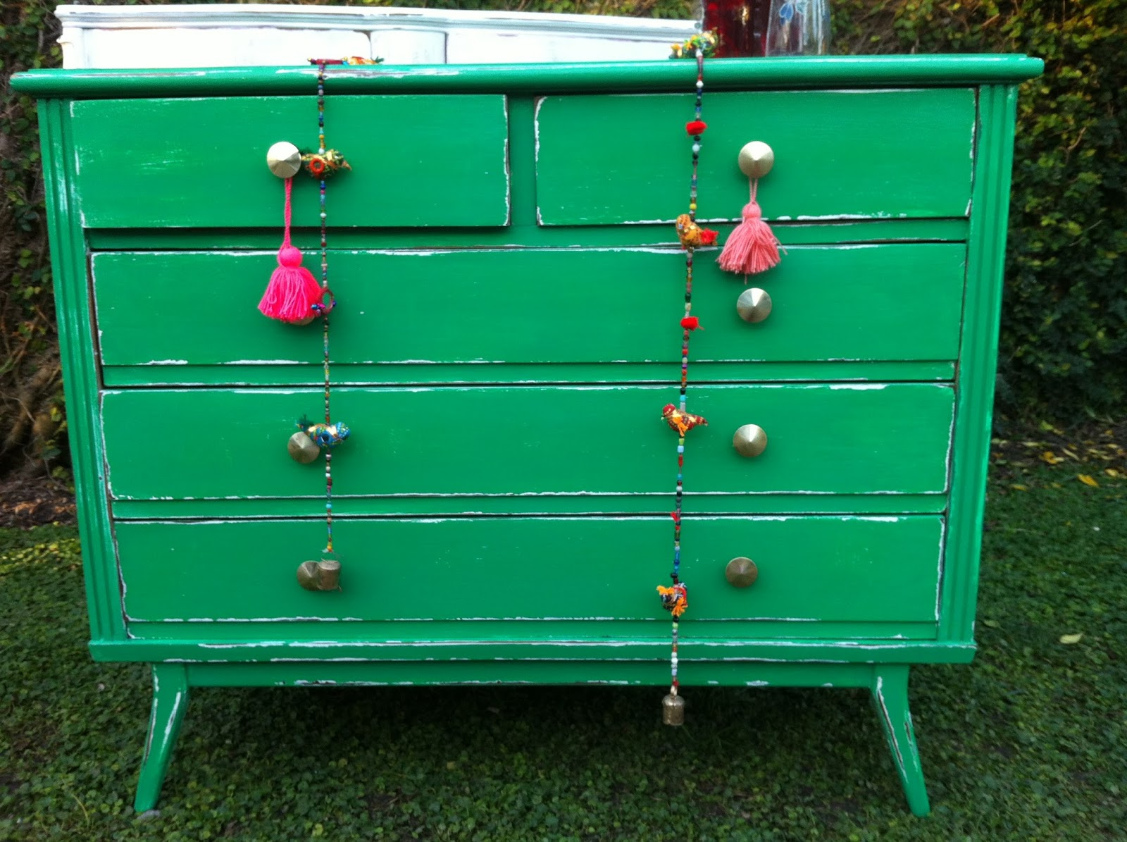 Vintouch muebles reciclados pintados a mano comoda for Muebles restaurados vintage