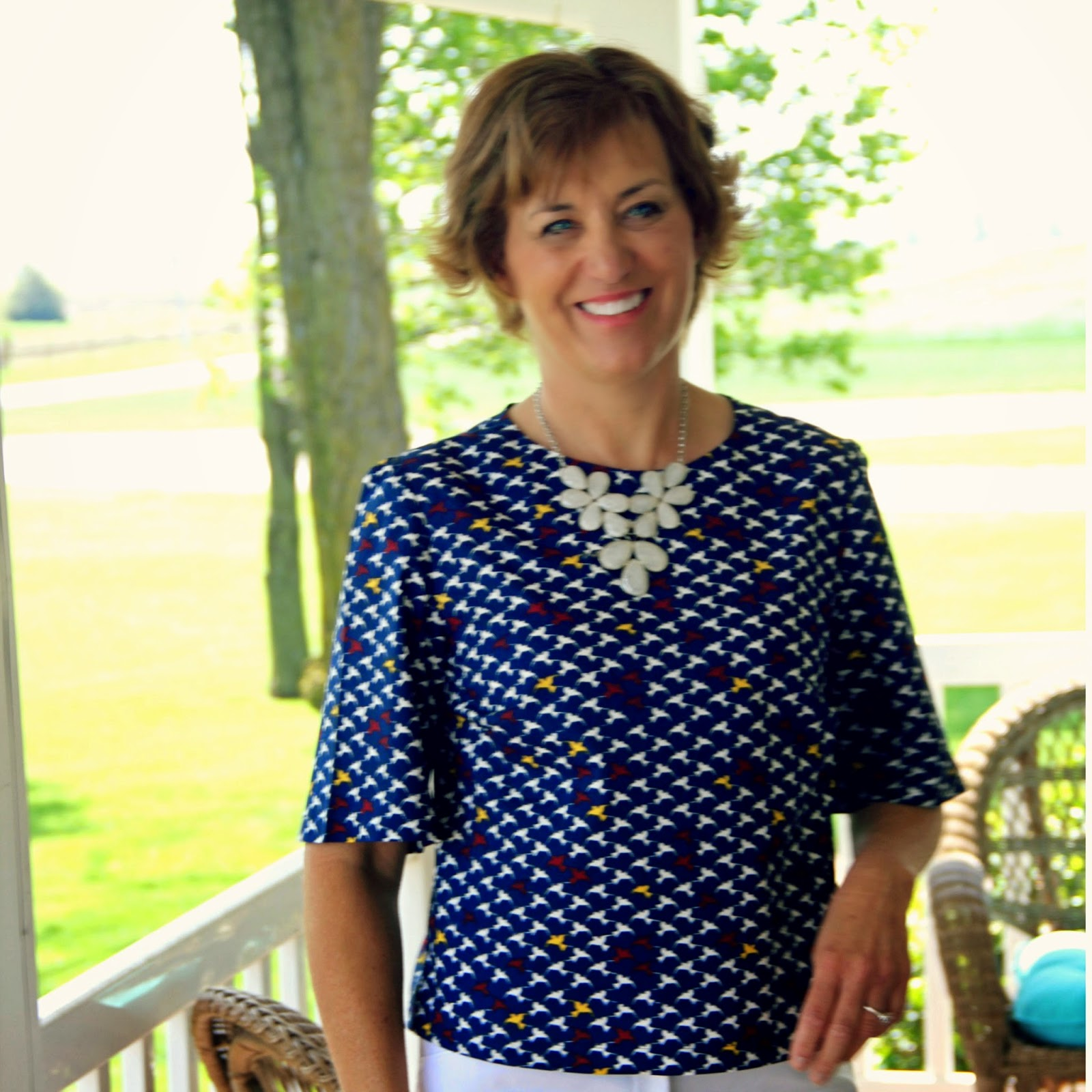 Bocy top for Spring 2015 using Butterick 6175 and a fun bird poplin print