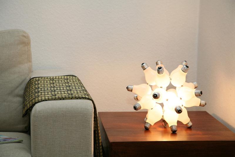 ausgefallene geschenkideen 41 lichtobjekt virus. Black Bedroom Furniture Sets. Home Design Ideas