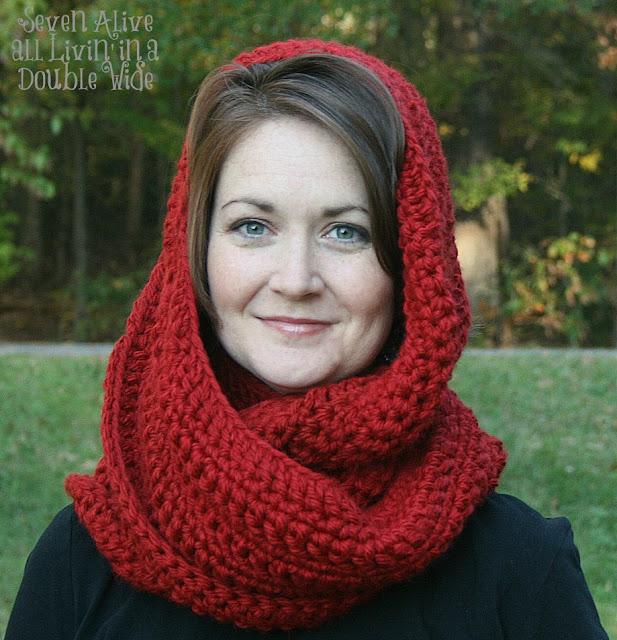 Free Knitting Pattern Long Cowl : Chunky Crocheted Infinity Scarf Free Pattern
