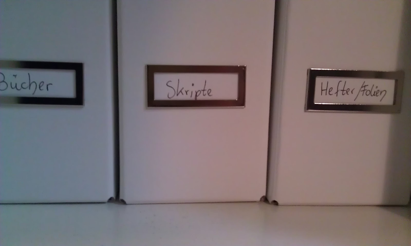 ordnung im arbeitszimmer passion. Black Bedroom Furniture Sets. Home Design Ideas