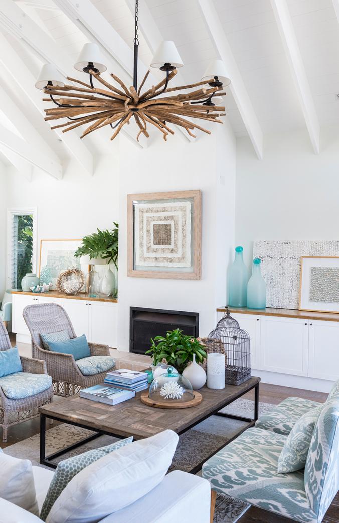 Stunning California Beach House Inspired By The Horizon: 10 Ideias Simples E Práticas Para Economizar Na Decoração