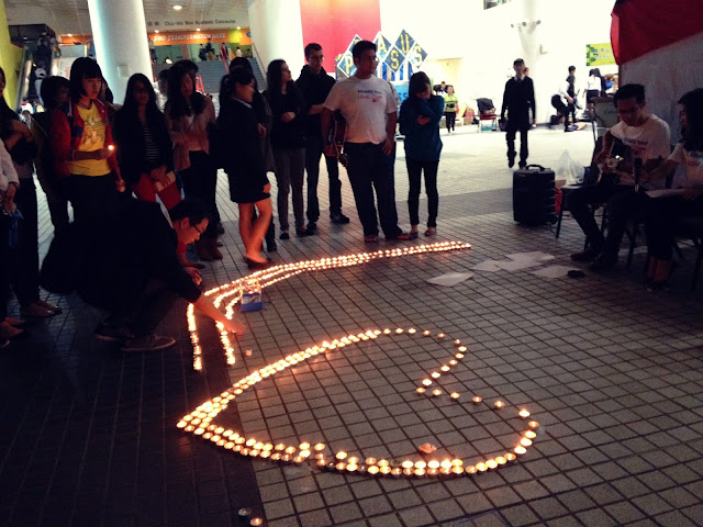 Yi Wei Lim, yiweilim, yiweilim blogspot, typhoon haiyan, tacloban, candles, hkust share your love, hkust, share your love, candlelight, vigil
