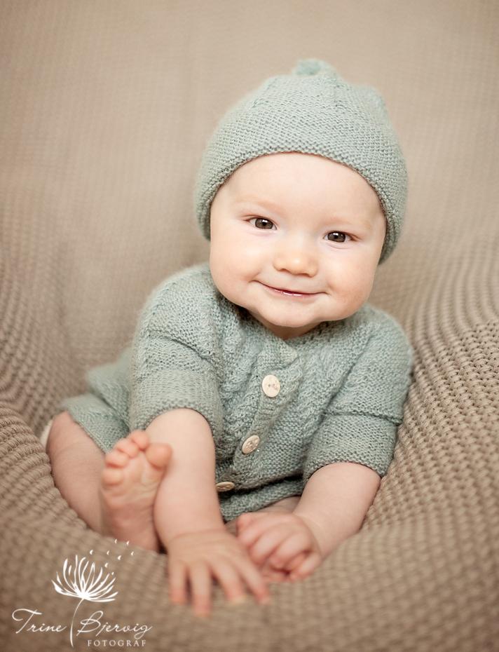babybilder av liten gutt fra Revetal, barnefotograf Trine Bjervig, Tønsberg