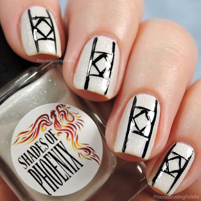 31DC2015 Black & White - Graphic Nail Art