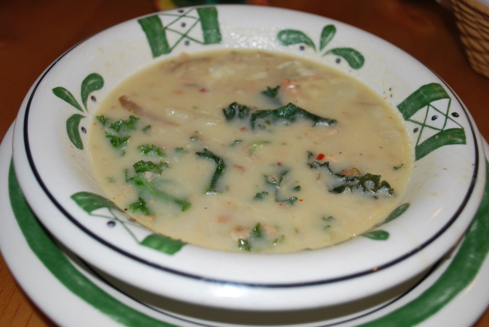 chicago foodie sisters - Olive Garden Soups