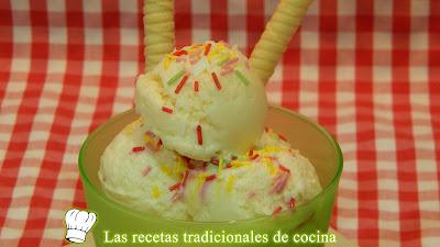 Helado de yogur cremoso