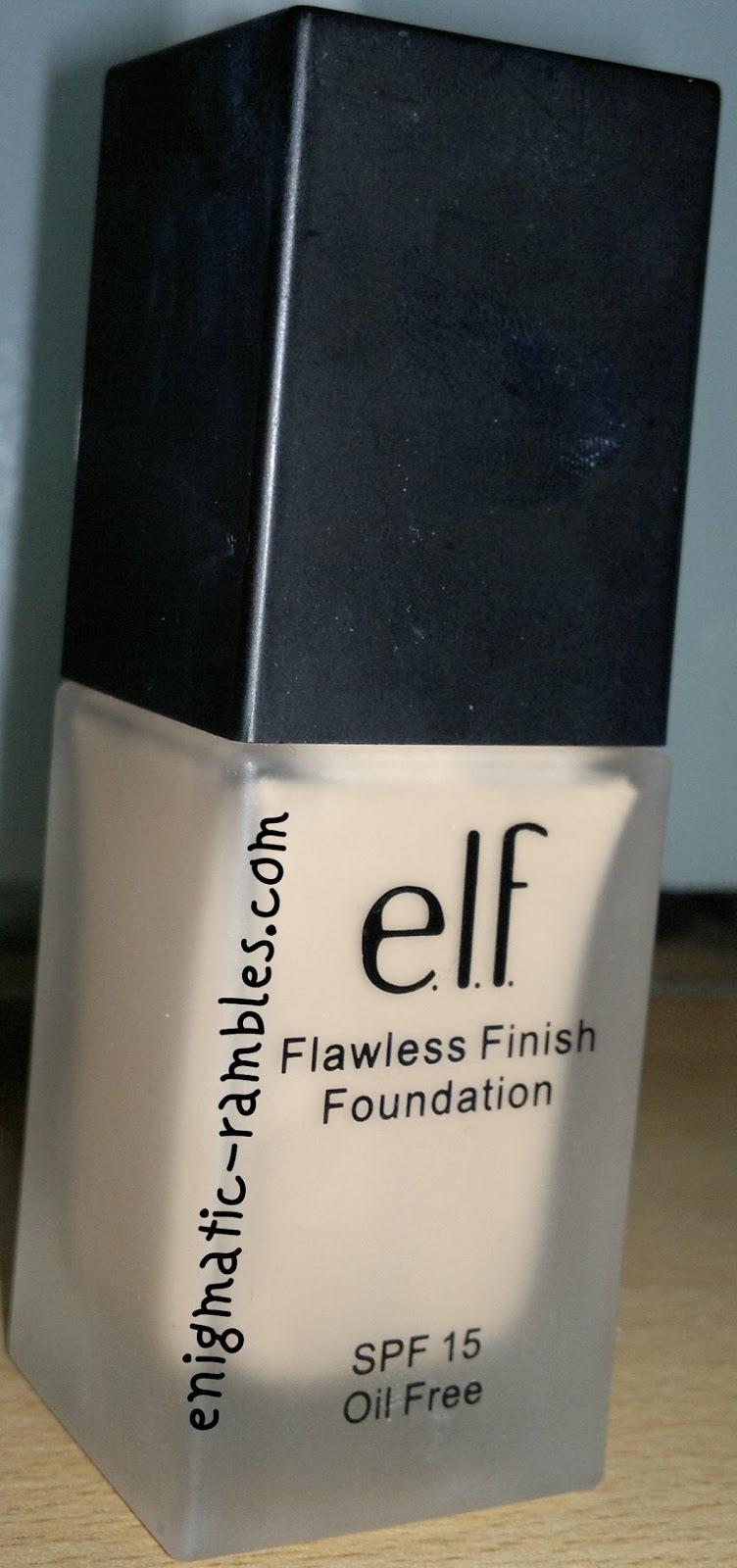 review-swatch-swatches-ELF-Eyes-Lips-Face-Flawless-Finish-Foundation-Porcelain