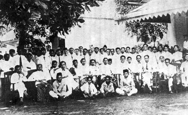 Peranan Golongan Terpelajar dalam Menumbuhkembangkan Kesadaran Nasional Indonesia