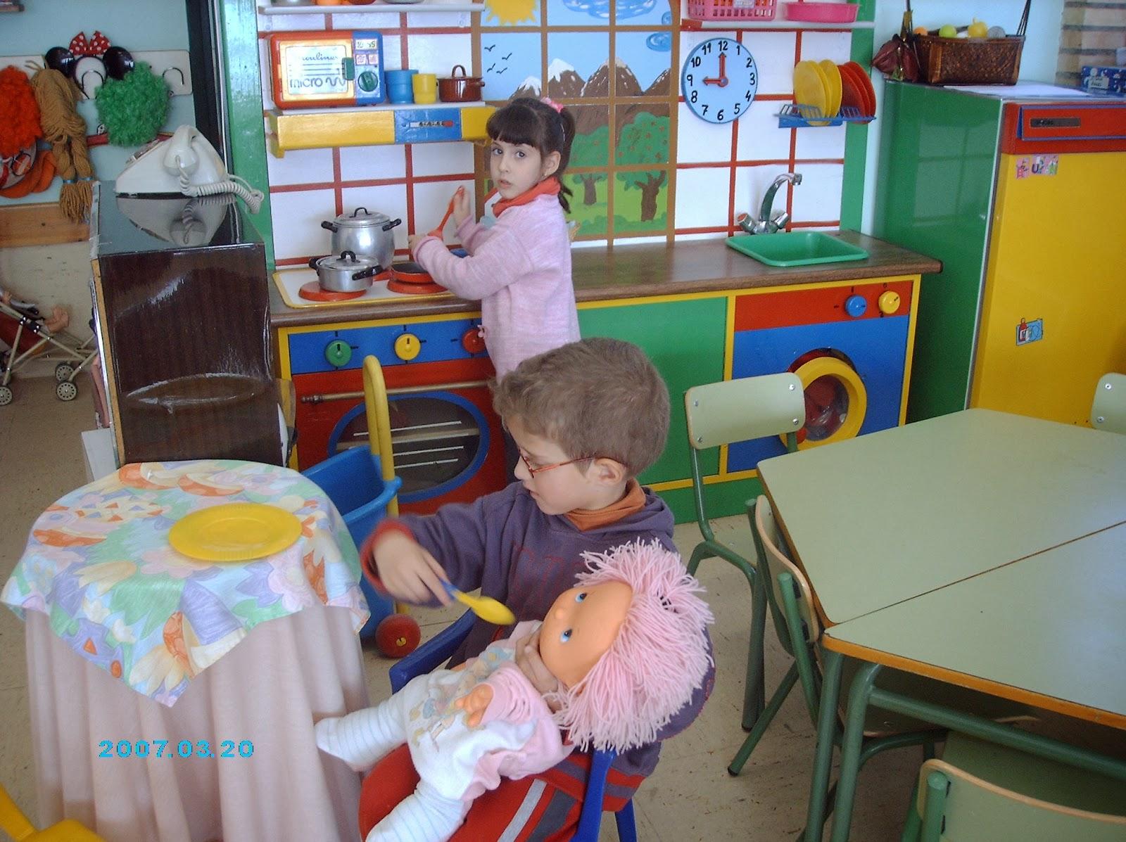 Escuela infantil castillo de blanca taller de cocina for Proyecto cocina infantil