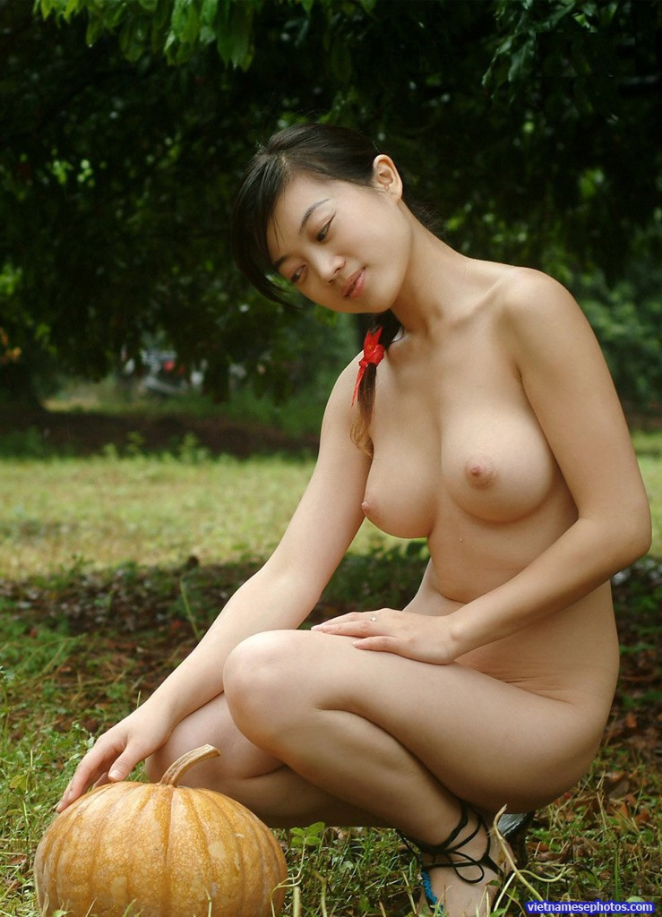 Nude girls in garden
