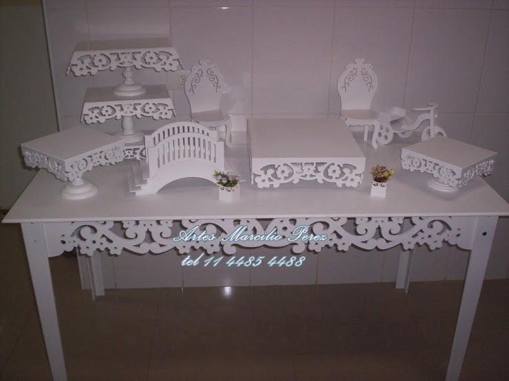 Conjunto mesa com 10 peças provençais para buffet R$ 750,00