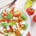 Penne com Tomatinhos Assados, Ricotta e Manjericão