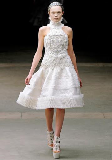 къса булчинска рокля Alexander McQueen