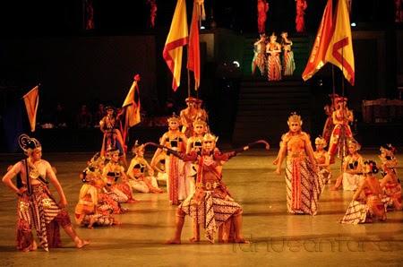 Sendra Tari Ramayana Prambanan