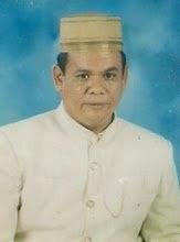 Koleksi Foto Foto Songko Biring Raja yang terbuat dari beberapa ringgit emas