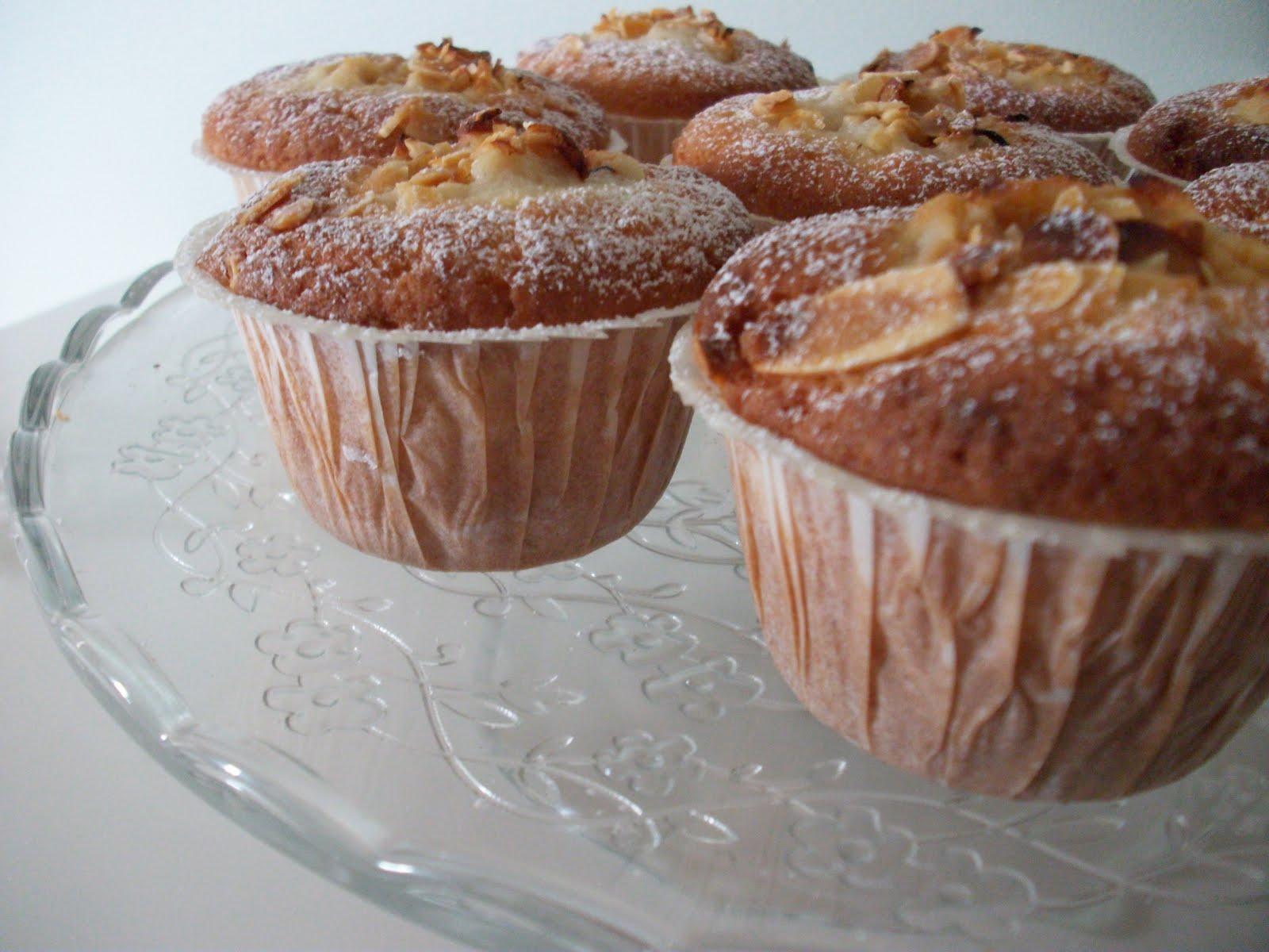 muffins med äpple och mandelmassa