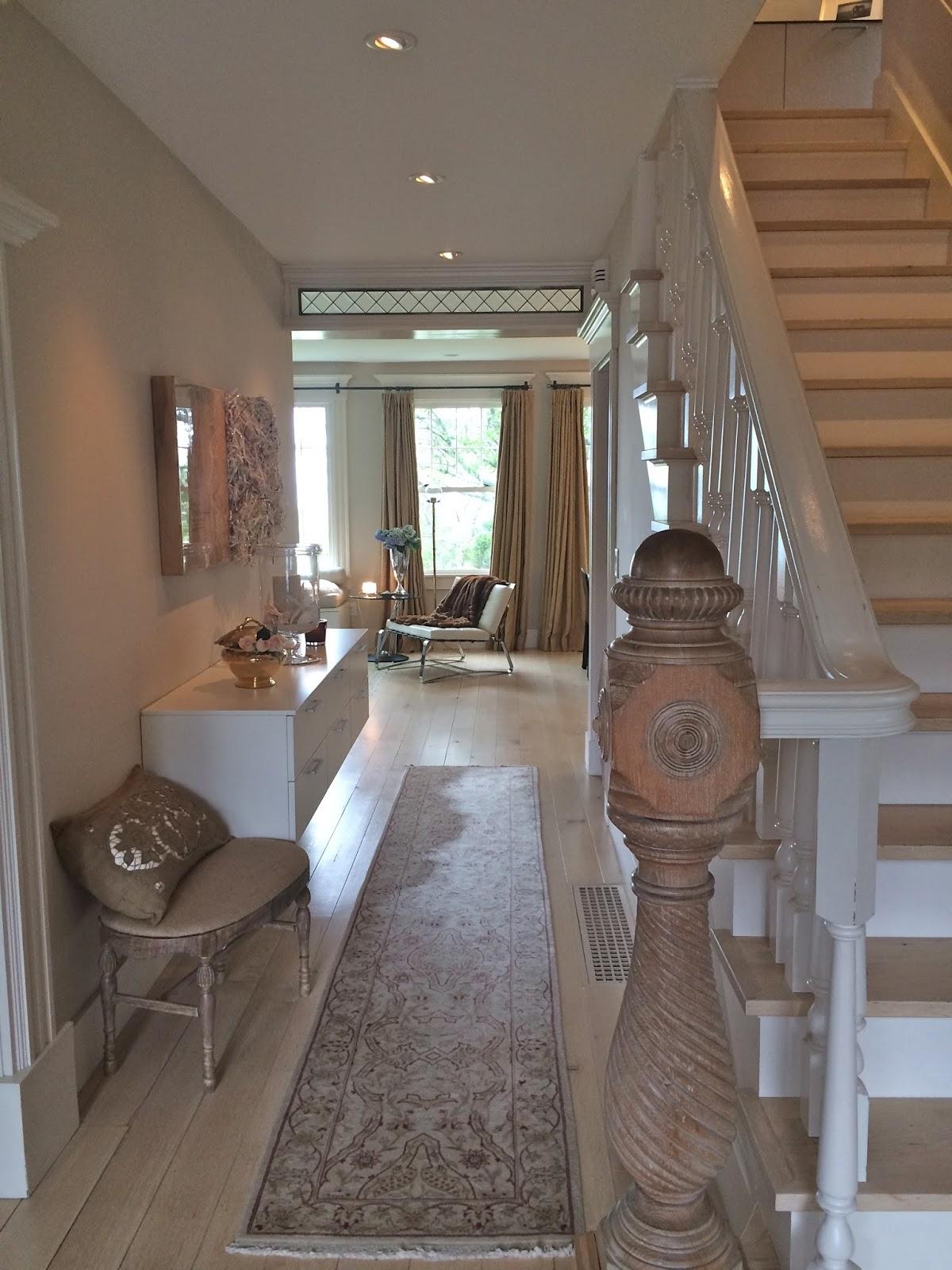 Maison Decor: Style Alert! Vintage Luxe Mod Rocks this Shingle Style ...
