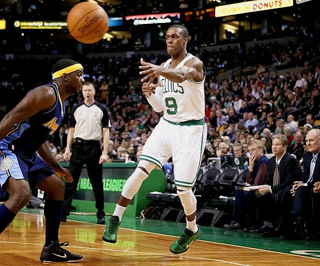 Report: Rondo out for almost 2 months with broken hand