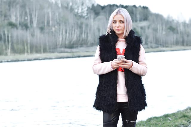 Bershka, faux fur, waistcoat, Noisy may sweatshirt, pastel pink, Jackson pollock, iphone case